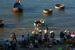 People buy and sale seafood at market on baach Royalty Free Stock Photography