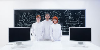 People in chemistry lab Royalty Free Stock Photography