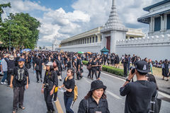 People come for singing the anthem of Thai king Royalty Free Stock Images