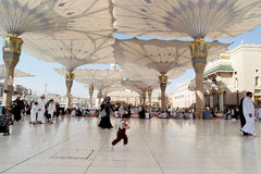 People in the courtyard of the mosque of the Prophet in Medina S Royalty Free Stock Photography