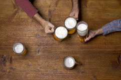 People drinking beer Royalty Free Stock Photography