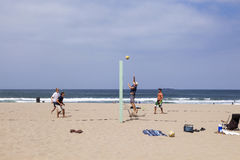 People enjoy playing Volleyball at Redondo Beach Royalty Free Stock Images