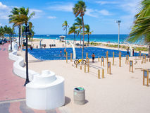 People enjoying the beach at Fort Lauderdale in Florida Royalty Free Stock Photo