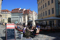 People enjoying a summer day at a cafe in Dresden Stock Photos