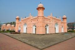 People explore mausoleum of Bibipari in Lalbagh fort in Dhaka, Bangladesh. DHAKA, BANGLADESH - FEBRUARY 22, 2014: Unidentified people explore mausoleum of Royalty Free Stock Photos