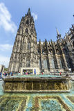 People in front of the Cologne Cathedral Royalty Free Stock Images