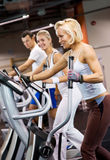 People jogging in a gym Royalty Free Stock Photography