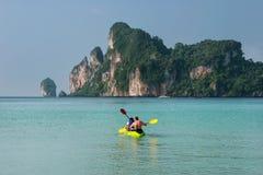 People kayaking at Ao Loh Dalum on Phi Phi Don Island, Krabi Pro Royalty Free Stock Images