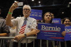 People Listen to Bernie Sanders Speaks at Presidential Rally, Mo Royalty Free Stock Photography
