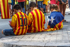 People manifesting for independence in Barcelona Stock Photos