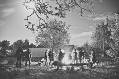 People near campfire Royalty Free Stock Photos