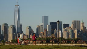 People In Park And Lower Manhattan Stock Photos