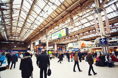 Crowded Victoria station in London Royalty Free Stock Images