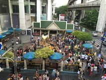 People are paying respect to the Erawan Shrine Royalty Free Stock Images