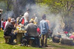 People picnicking Royalty Free Stock Photos