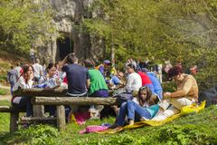 People picnicking Royalty Free Stock Photography
