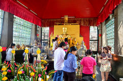 People pray angel statue at Phra Kal Shrine Royalty Free Stock Photography