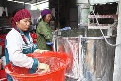 People processing Kudzu flour Royalty Free Stock Photography
