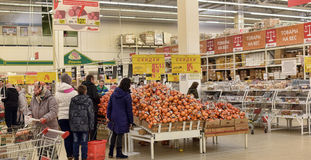People in the produce department in the store Royalty Free Stock Image