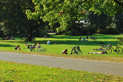 People relaxing in the park Royalty Free Stock Photography