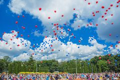People release balls into the sky. City Tula. Russia - JUNE 22, 2016: The park named after Belousov. People release balls into the sky. Hundreds of multicolored stock photography