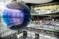 People see the graphic globe in science museum Stock Photography