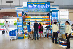 People shop at Cam Ranh international airport, Vietnam Stock Photo