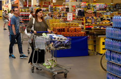 People shopping in supermarket Royalty Free Stock Photo