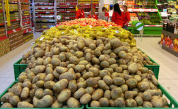 People Shopping In Supermarket Store. Royalty Free Stock Images