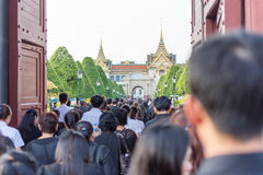 People to pay and respect to Thai King Bhumibol Royalty Free Stock Photo