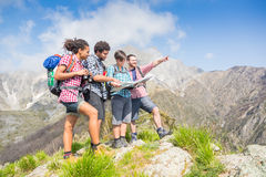 People at top of Mountain Royalty Free Stock Photos