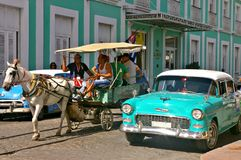 Free People Traveling In A Horse Carriage In Cuba Royalty Free Stock Photography - 109138987