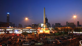 People at Victory monument to against government Royalty Free Stock Images