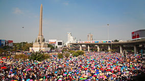 People at Victory monument to expel Yingluck Stock Photos