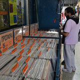 People vinyl record store Stock Images
