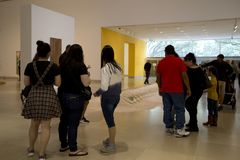People visit Museum of art in city Dallas TX Royalty Free Stock Photos