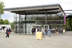 People visit the documenta - Halle Stock Photos