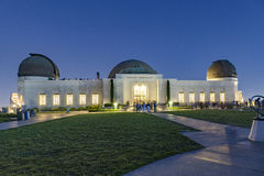 People visit  Griffith Observatory by night Royalty Free Stock Photos