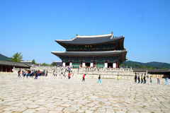 People visit Gyeongbokgung palace Royalty Free Stock Images