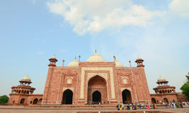 People visit to red tower of Taj Mahal Royalty Free Stock Photography