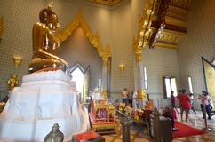 People visit Wat Traimit in Bangkok Chinatown Royalty Free Stock Images