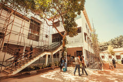 People visiting the popular art center Karnataka Chitrakala Parishath Royalty Free Stock Photography