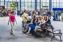 People waiting at Keleti west train station Royalty Free Stock Photos