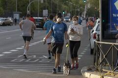 People walking or doing individual sport during de-escalation in Madrid