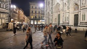 People walking in front of the The Basilica di Santa Maria del Fiore, Florence, Italy stock footage