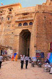 People walking through the main entrance of Jaisalmer fort, Indi Royalty Free Stock Photos