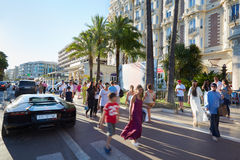 People walking in a summer afternoon in Cannes Royalty Free Stock Photos