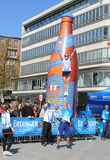 People watching Cheerleaders at Hannover Marathon Royalty Free Stock Photography