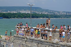 People watching red bull flugtag in Varna Stock Photo