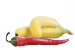 Pepe di peperoncino rosso e banana dolce Fotografia Stock Libera da Diritti
